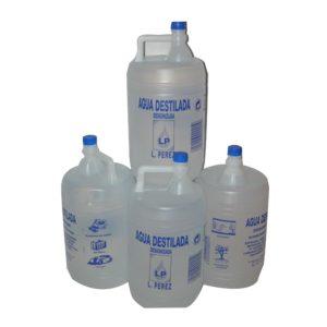 vista general de 4 garrafas de agua desionizada adrisa aqua