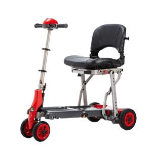vista lateral de scooter rojo de teyder ligero